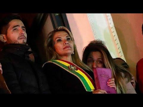 Jeaninie Ánez assume presidência interina da Bolívia