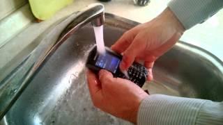 Лучший способ чистки телефона от пыли и грязи, смотреть всем!(, 2013-11-03T09:06:21.000Z)