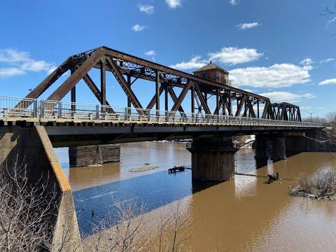 James Street Swing Bridge - A Human Spinиз YouTube · Длительность: 2 мин23 с