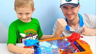 Игры для Мальчиков Космические Войны - Даник против Папы Кто же выиграет? Видео для детей