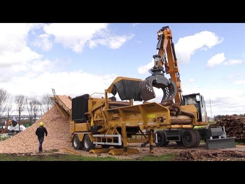 Vermeer HG4000 Wood Chipper Demo Show @ E&H 15