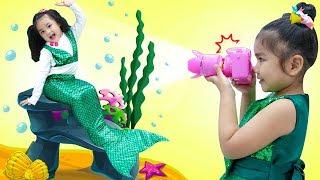 Suri Pretend Play as Photographer w/ Camera Studio & Dress Up Kids Toys