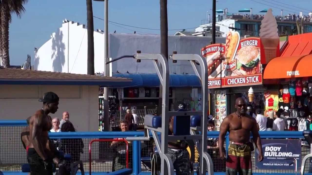 Muscle Beach Venice Beach California - Gym and exercise area