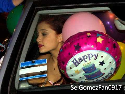 Ariana Grande Rare Pictures!