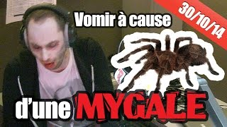 Julien le stagiaire part vomir après avoir vu une mygale !!