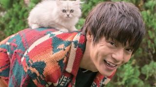 若手の実力派俳優として人気を誇る窪田正孝が、初のカレンダーを発売す...