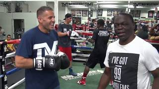 UK tourist gets pulled in the ring by Jeff Mayweather to train