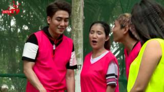 Huy Nam bị phạt vì màn đánh golf quá tệ hại.