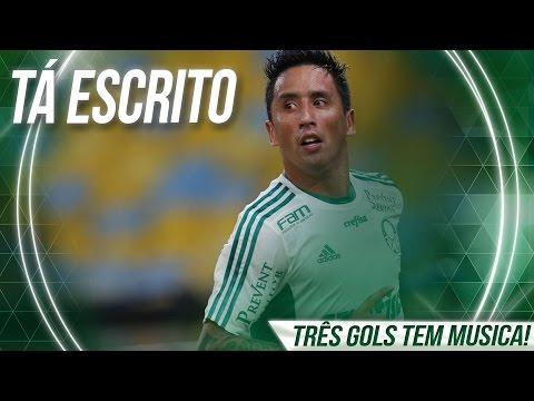Após noite de gala Lucas Barrios pede música na TV Palmeiras