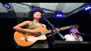 Andy Allo - Down to roll