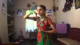 Priyanoral Innu vannuvo... Chanthu Thottille Nandana dance