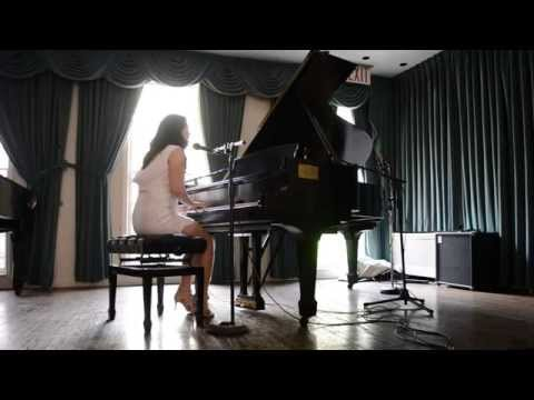 Samantha Marinaro - Lonely World (Live @ the Greenwich House, NYC)