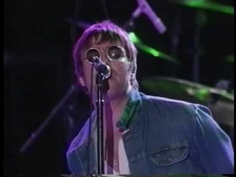 Oasis :: The Greek Theater :: 15-05-2001
