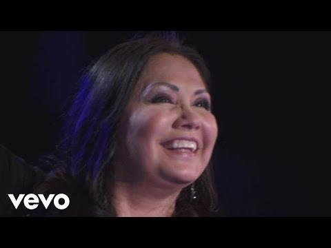Ana Gabriel - Medley Pop: Amor/Ni Un Roce/Ay Amor