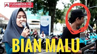 Video Bojo Galak - Nella Kharisma (Cover Cewek Berjilbab Cantik Suara Merdu ft Pengamen Malang) download MP3, 3GP, MP4, WEBM, AVI, FLV Juni 2018