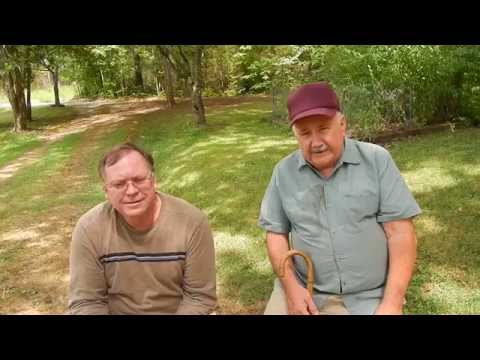 DSCN1804 Talking up Rufus Hussey The Bean Shooter Man