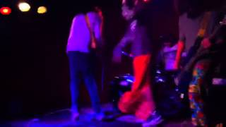 The Right Way Up - Let The Water Run (Live at Mojos)