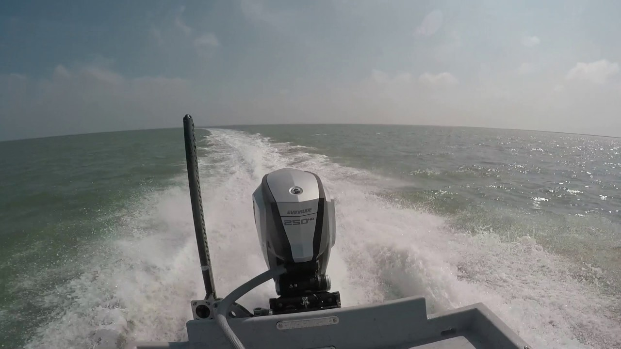 Mowdy C25 with G2 250 HO Video 2 (Rockport Marine)