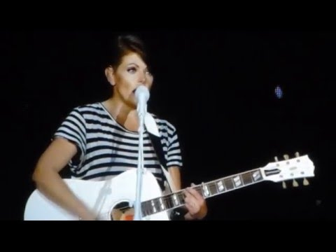 Dixie Chicks - Landslide - Live @ The 02 London 1st May 2016