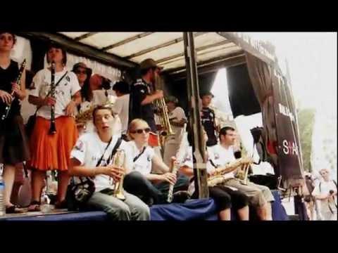 Laissez-moi danser Gay Pride Parade Paris 2005