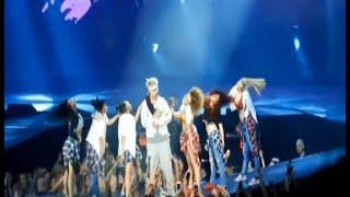 Video Justin Bieber jatuh dari panggung konser - Obsesi 20/06 download MP3, 3GP, MP4, WEBM, AVI, FLV Juni 2017
