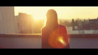 Chasing Sunsets by Karen Kingsbury - book trailer