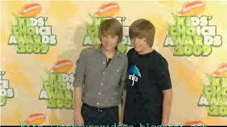 Cole and Dylan Sprouse 2009 Kids Choice Awards