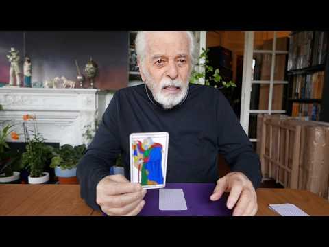 How can I improve myself? Tarot reading video by Alejandro Jodorowsky for Davide