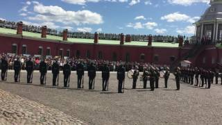 Церемония развода почетного караула на Петропавловской крепости г Санкт Петербурга
