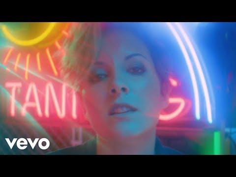 Ria Mae – Hold Me ft. Frank Kadillac
