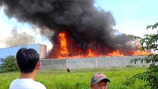 Cháy Lớn Kinh Khủng - Toàn Cảnh Vụ Cháy Nhà Xưởng (Nệm Mút) Vừa Mới Xảy Ra Chiều Nay