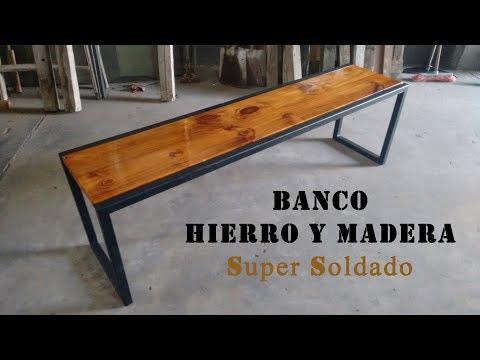 BANCO CON ESTRUCTURA DE HIERRO Y TAPA DE MADERA
