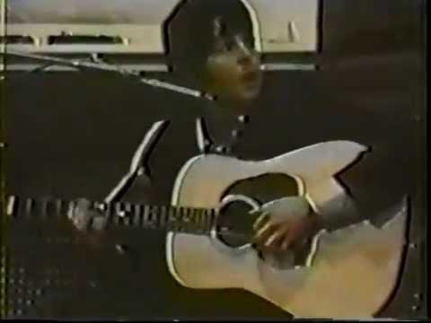 Paul McCartney - Blackbird - Abbey Road Studios, London, England (11.06.1968)