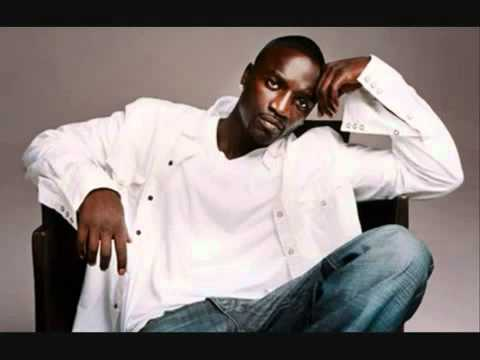 Hip-hop's akon to debut new albums on his own 'stadium' app.