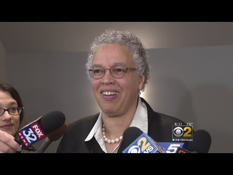 Toni Preckwinkle Close To Joining Chicago Mayoral Race