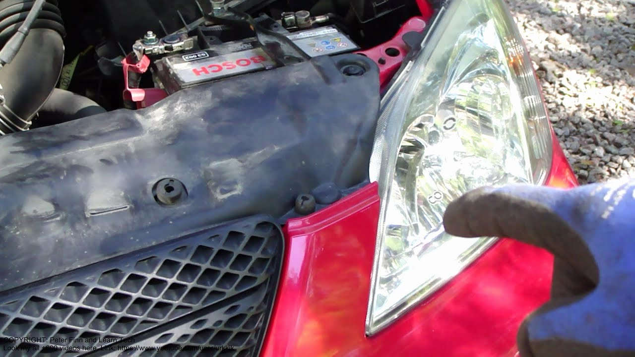 How To Replace Headlamp Bulb Left Side Toyota Corolla Years 2001 2007