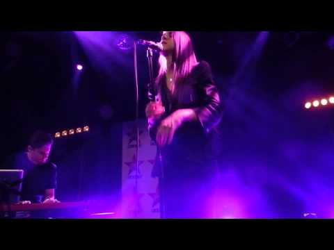 Marina Kaye - Freeze you out (Showcase privé Virgin Radio Re