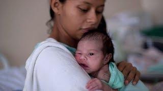 Las mujeres venezolanas que cruzan a Brasil para dar a luz