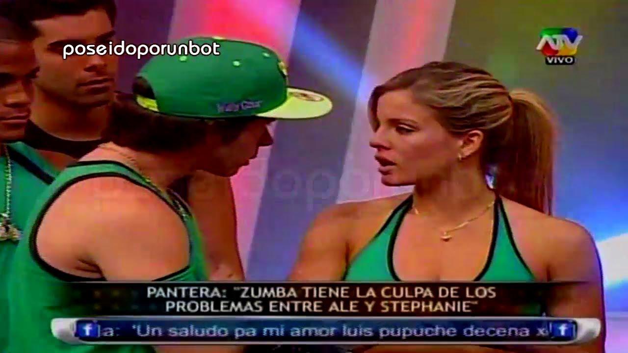 COMBATE: Alejandra y Vania Pelean con Stephanie por Mario Hart 07/05/13