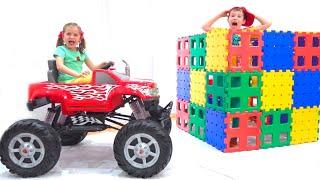 Max y sus transportes de juguete