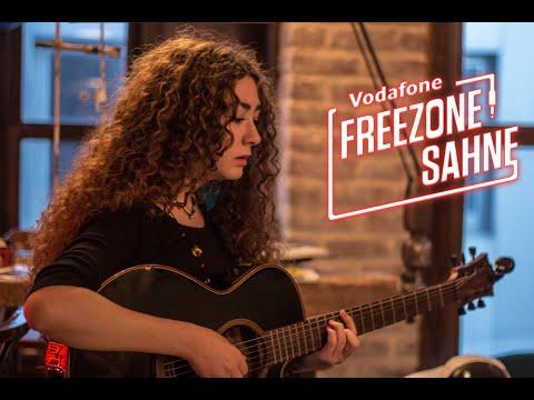Sena Şener - Şehrin Işıkları (FreeZone Sahne Performansı)