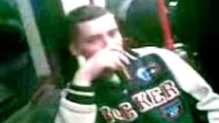 rozmowa w tramwaju podczas spozywania alkoholu