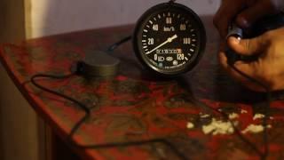 Запуск спидометра АП 121.3802 от автомобиля ''Камаз'' на столе