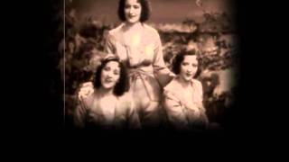 The Boswell Sisters - Between the devil and the deep blue sea (1932).wmv