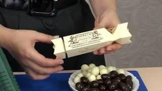 Конфеты-подарочная упаковка (схема на: www.svadbahit.ru)(Выкройку бонбоньерки Вы найдёте здесь: http://svadbahit.ru/bonbonerki/konfety-dlya-bonbonerok-2.html . Урок по изготовлению подарочной..., 2011-04-18T16:08:20.000Z)