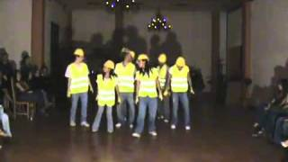 DANCE CREW, DANCE ROUTINE TO