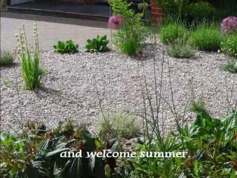Gravel front garden youtube for Low maintenance gravel garden
