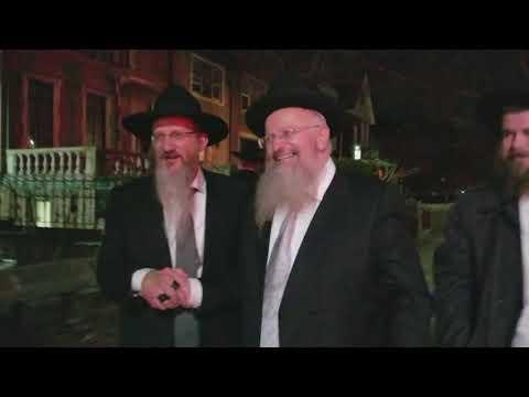 Rabbi Lazar Escorts Rabbi Eliyahu - Kinus Hashluchim 5778 - 2017