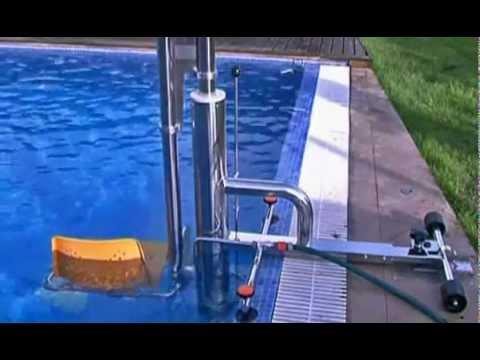 Si ge l vateur hydraulique pour l 39 acc s la piscine des - Siege flottant pour piscine ...