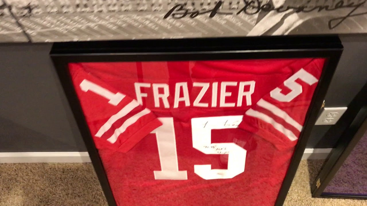 How To Frame A Jersey >> Diy Jersey Frame Video